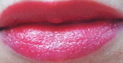 Spring Colors: Wet n Wild Silk Finish lipsticks in Hot Red and Light Beige Frost