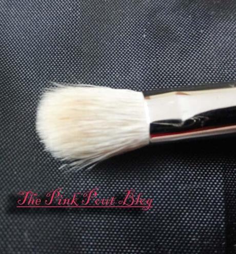 MAC 217 blending brush / concealer brush