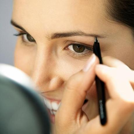 basic and simple how to apply eye makeup tips for