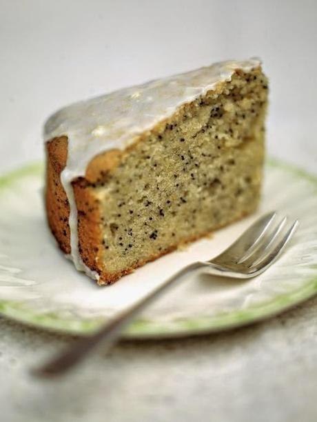 {Recipe: Lemon & Poppy Seed Cake}