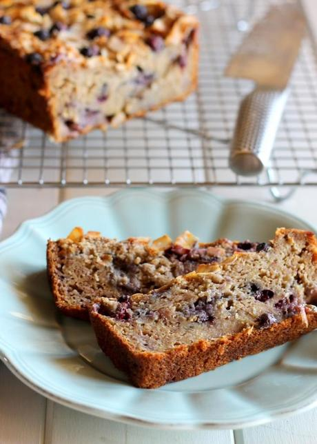 Toasted Coconut Blueberry Banana Bread (Gluten Free, No Oil or Butter!) | from Bakerita.com #recipe #glutenfree