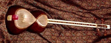 Tar - the traditional Iranian music instrument, picture curtesy of Inside Iran: The arts and culture of an ancient civilization