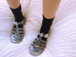 JELLY SANDALS & SOCKS