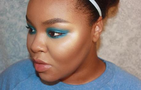 Electric Blue Smokey Eye