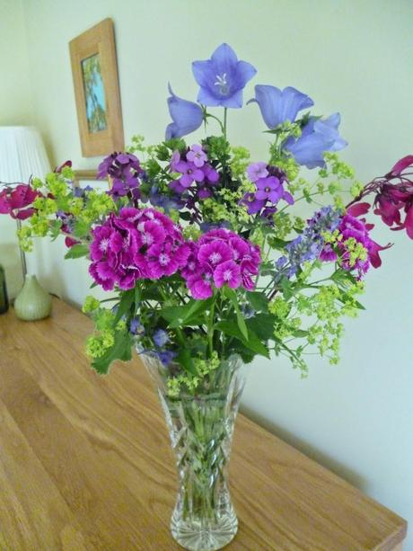 A Garden Bouquet Bringing the Outdoors in Paperblog