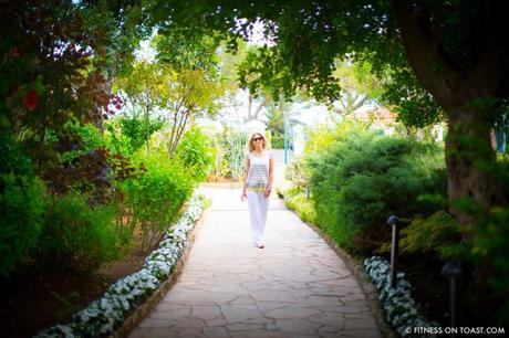 Fitness On Toast Faya Girl Blog Healthy Recipe Workout Clothes Charli London Yoga Pilates Loose Relaxed Comfortable Soft Beautiful Fabric Material Stylish Relaxed Grand Hotel Du Cap Ferrat France Jean Mus Landscape Architect-11