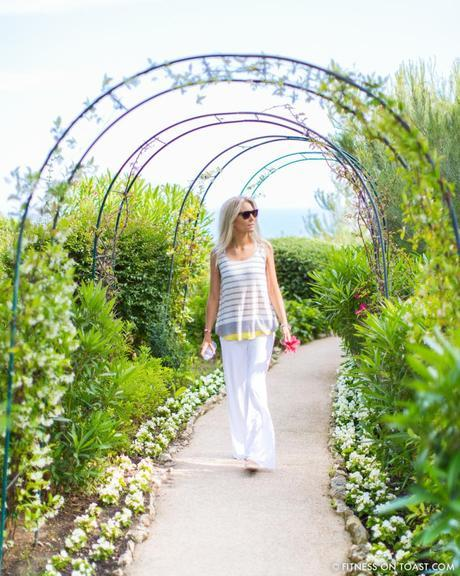 Fitness On Toast Faya Girl Blog Healthy Recipe Workout Clothes Charli London Yoga Pilates Loose Relaxed Comfortable Soft Beautiful Fabric Material Stylish Relaxed Grand Hotel Du Cap Ferrat France Jean Mus Landscape Architect-3