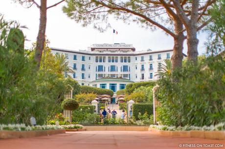 Fitness On Toast Faya Girl Blog Healthy Recipe Workout Clothes Charli London Yoga Pilates Loose Relaxed Comfortable Soft Beautiful Fabric Material Stylish Relaxed Grand Hotel Du Cap Ferrat France Jean Mus Landscape Architect-8