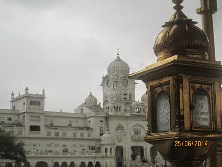 Playing Tourist Guide -- The Golden Temple at Amritsar