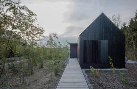 Blackened Timber Cottages by Format Elf Architekten 5