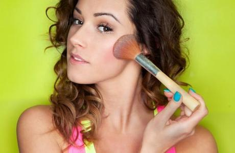 Get a Sun-Kissed Glow with Bronzer