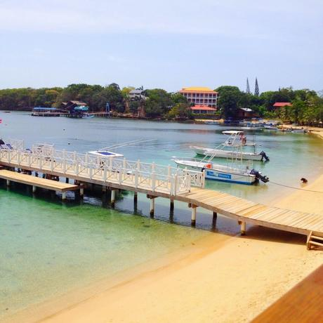 Roatan Review: The Landing