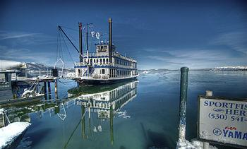 English: The vessel Tahoe Queen at Lake Tahoe.