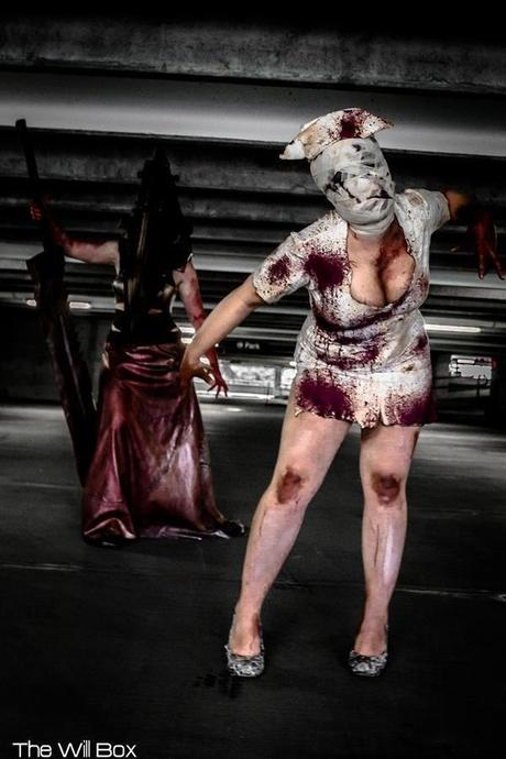 silent-hill-nurse-cosplay