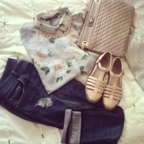 Boyfriend jeans & summer florals | WIWT