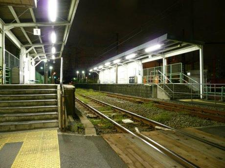 23d126da77deb06713f6ecb60d6ca4bf 深夜の鶴見線, 駅風景 / The Tsurumi Line at midnight