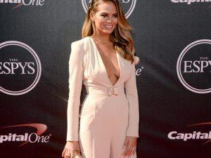 christine-teigen-espy-awards-2014-espys1-ftr