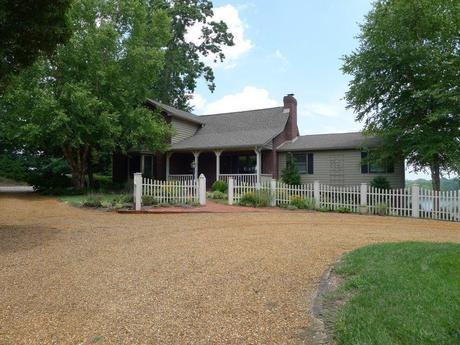 FarragutWaterFrontHomeForSale 23 Luxury Northshore Home For Sale With Spectacular Views Of Lake Loudon
