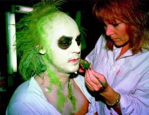 Ve-Neill-doing-Michael-Keatons-makeup-for-Beetlejuice