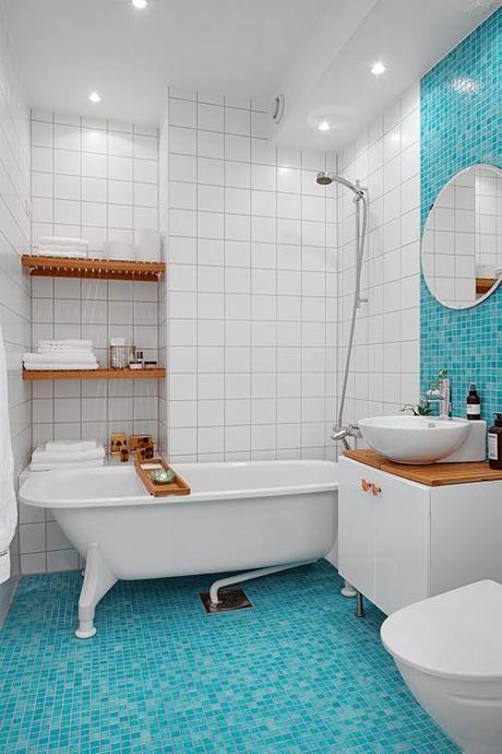 tile-bath-blue-mosaic- alvhem-malkeri-interior