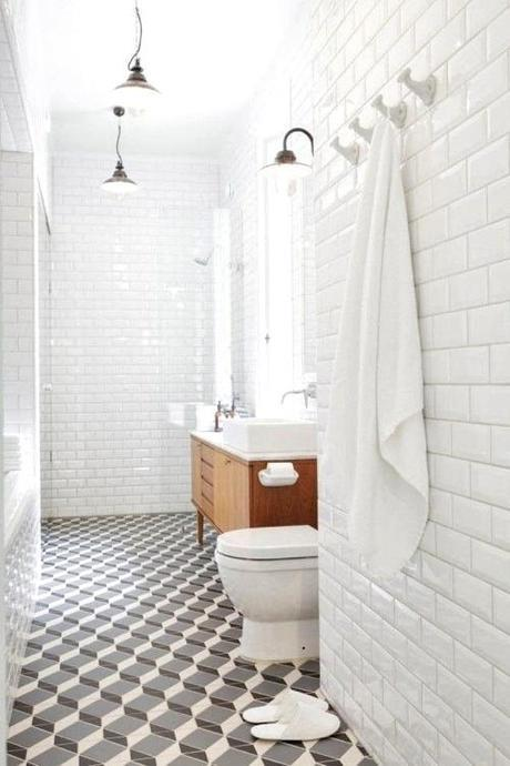 bathroom-tile-stylist-linda-bergroth-photo-viewmasters-nordicdesign.ca
