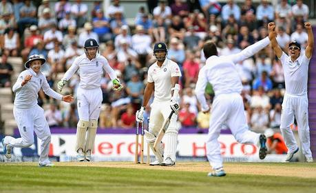 England crushes India to level series 1-1
