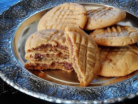 Nutella Filled Peanut Butter Criss Crosses - http://1healtheating.blogspot.com/