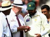 Demoralised India Play Oval; Gavaskar 221; Chandra's Forfeiture