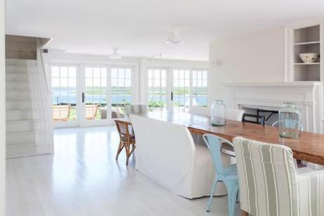 Mixed Dining Room Seating In Cape Cottage